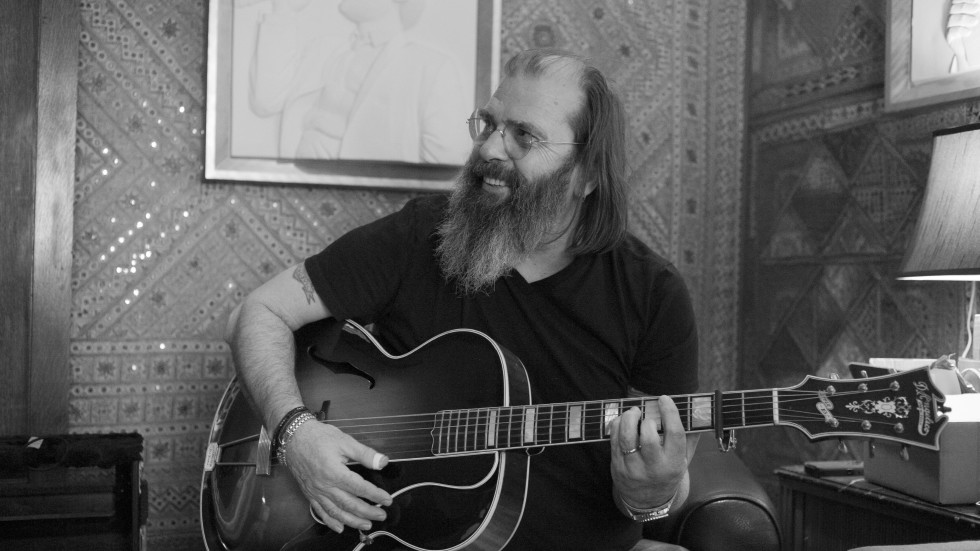Steve Earle and The Mastersons