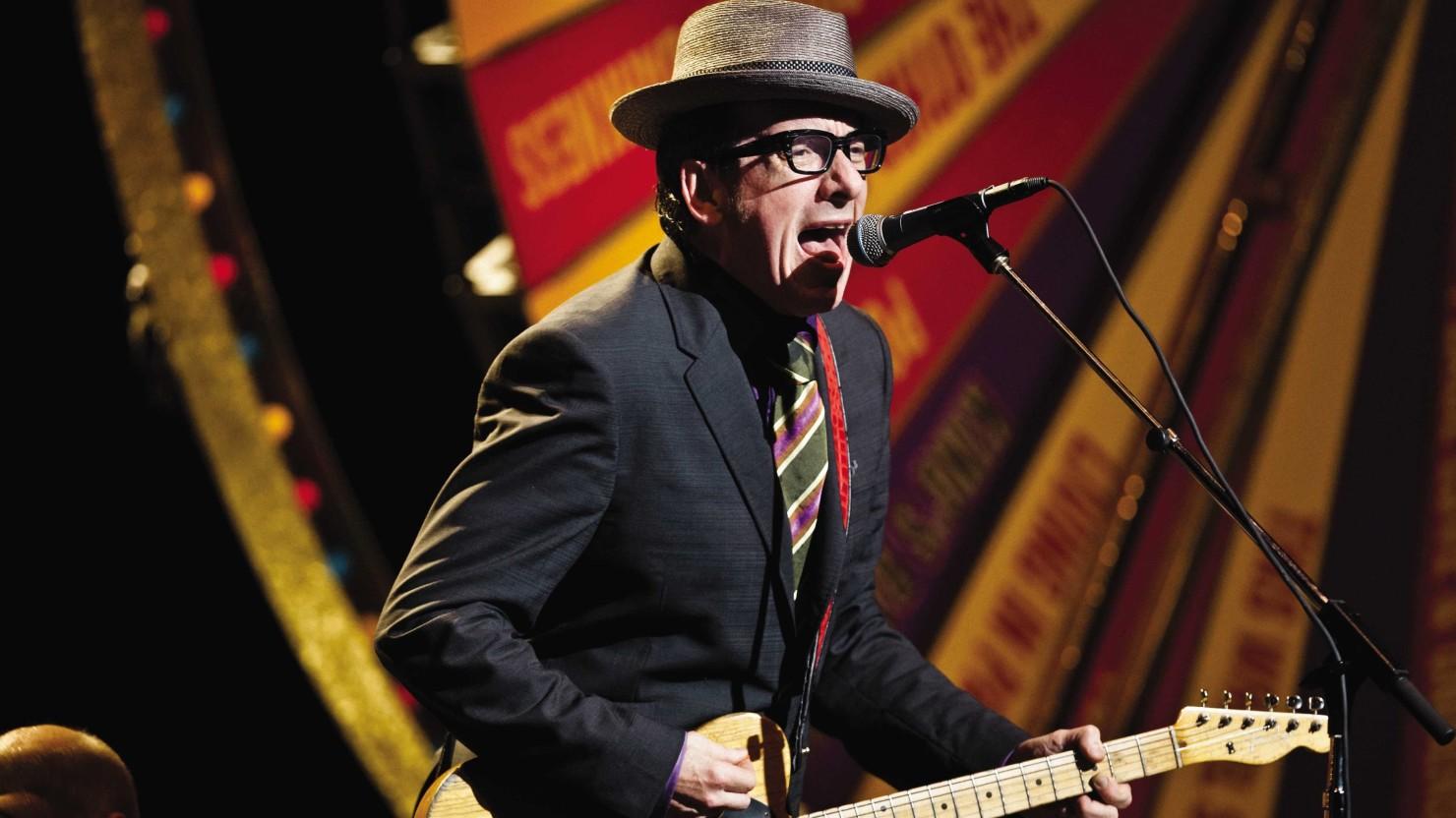 Elvis Costello: ad ottobre il nuovo album, condivise due tracce [Listen]