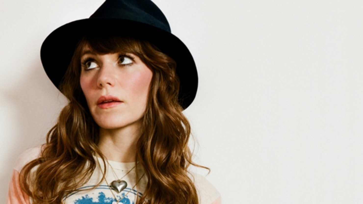 how tall is jenny lewis