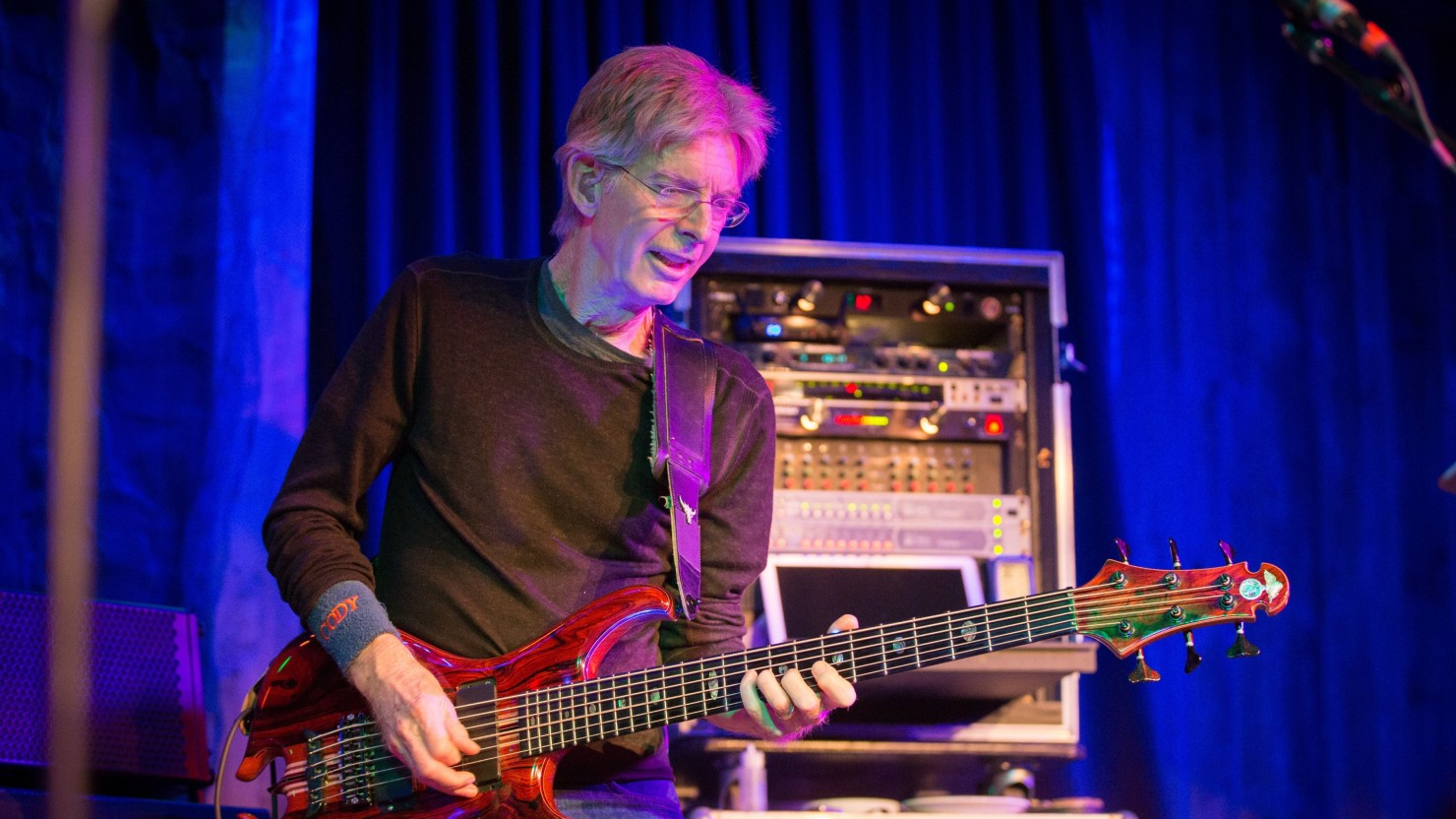 updated phil lesh friends to play another 1977 grateful dead tribute show. Black Bedroom Furniture Sets. Home Design Ideas