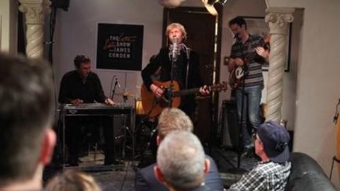 DVR Rewind   Beck Plays Living Room Of Strangers House