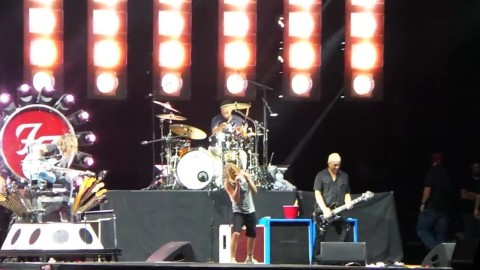 Video | Chad Smith Joins Foo Fighters In New York