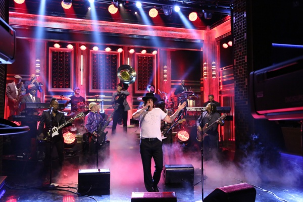 Will Ferrell And Chad Smith Drum Off On The Tonight Show