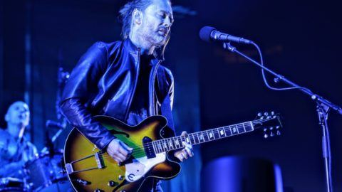 Radiohead Dusts Off Fake Plastic Trees In Mexico City Utter Buzz
