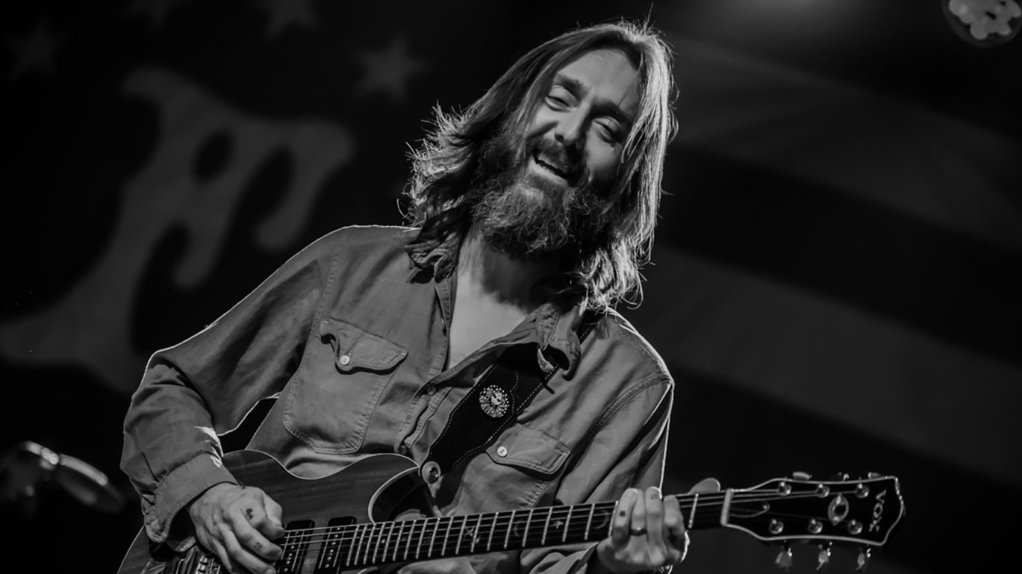 The Chris Robinson Brotherhood Honors Leon Russell In Richmond
