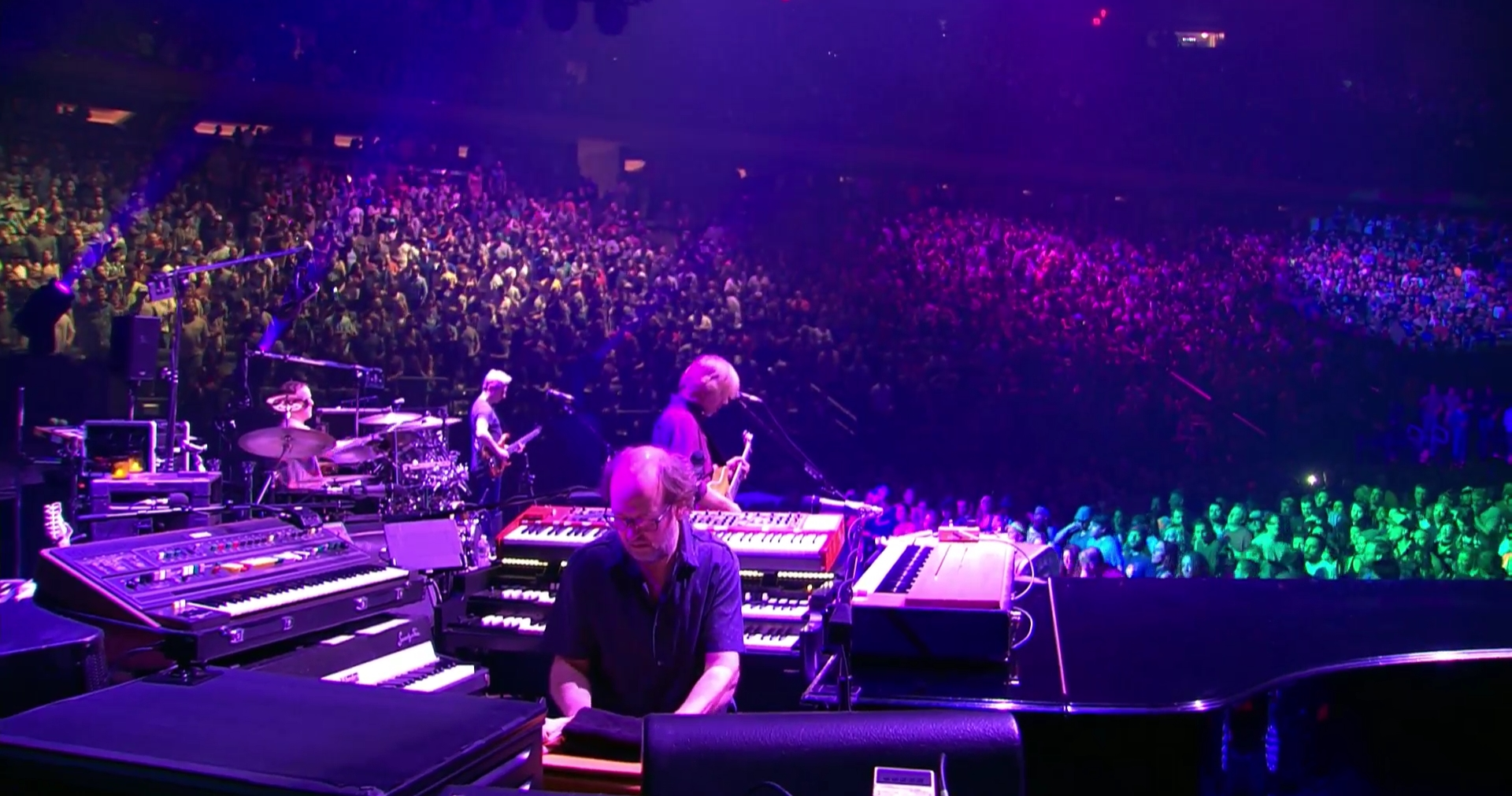 Night 3 At Msg Phish Continues 2016 New Year 39 S Run In New York Setlist Videos The Skinny