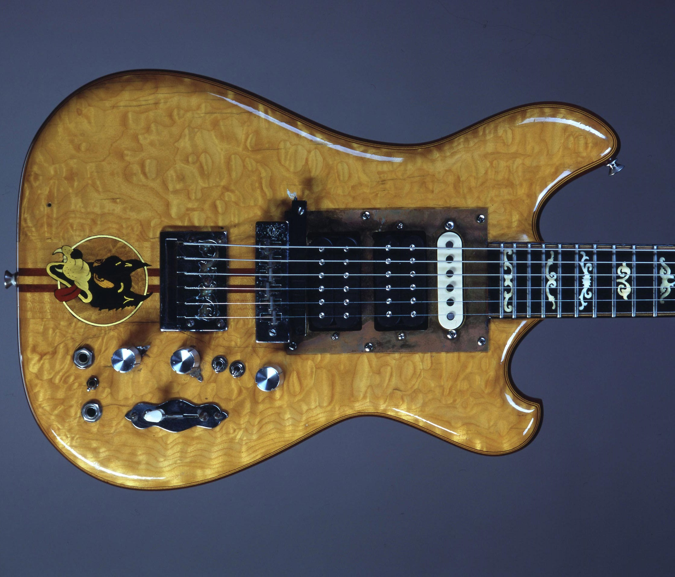 jerry garcia 39 s wolf guitar sells for 1 9 million proceeds go to southern poverty law center. Black Bedroom Furniture Sets. Home Design Ideas