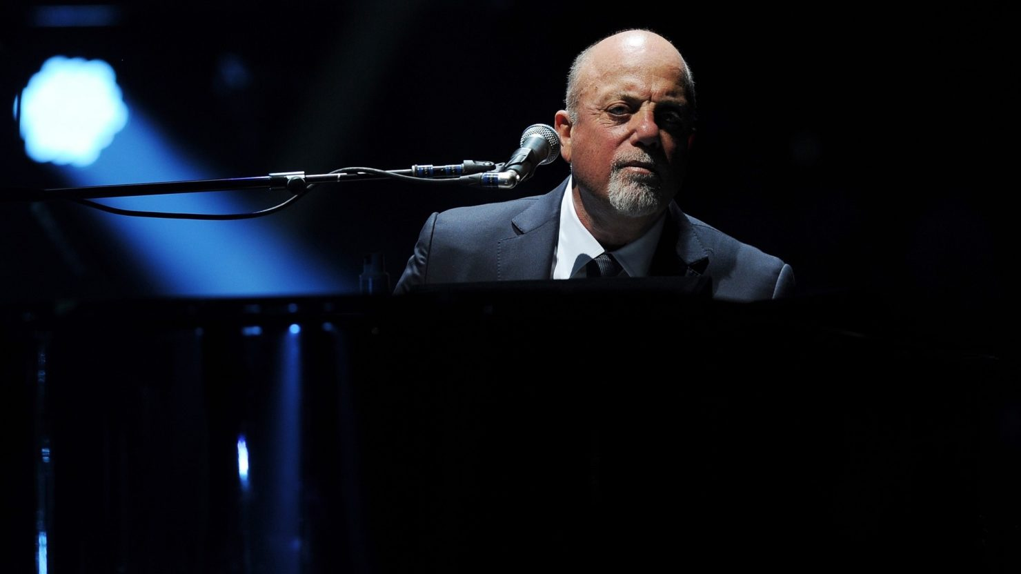 Billy Joel Welcomes Paul Simon Miley Cyrus At Madison Square Garden