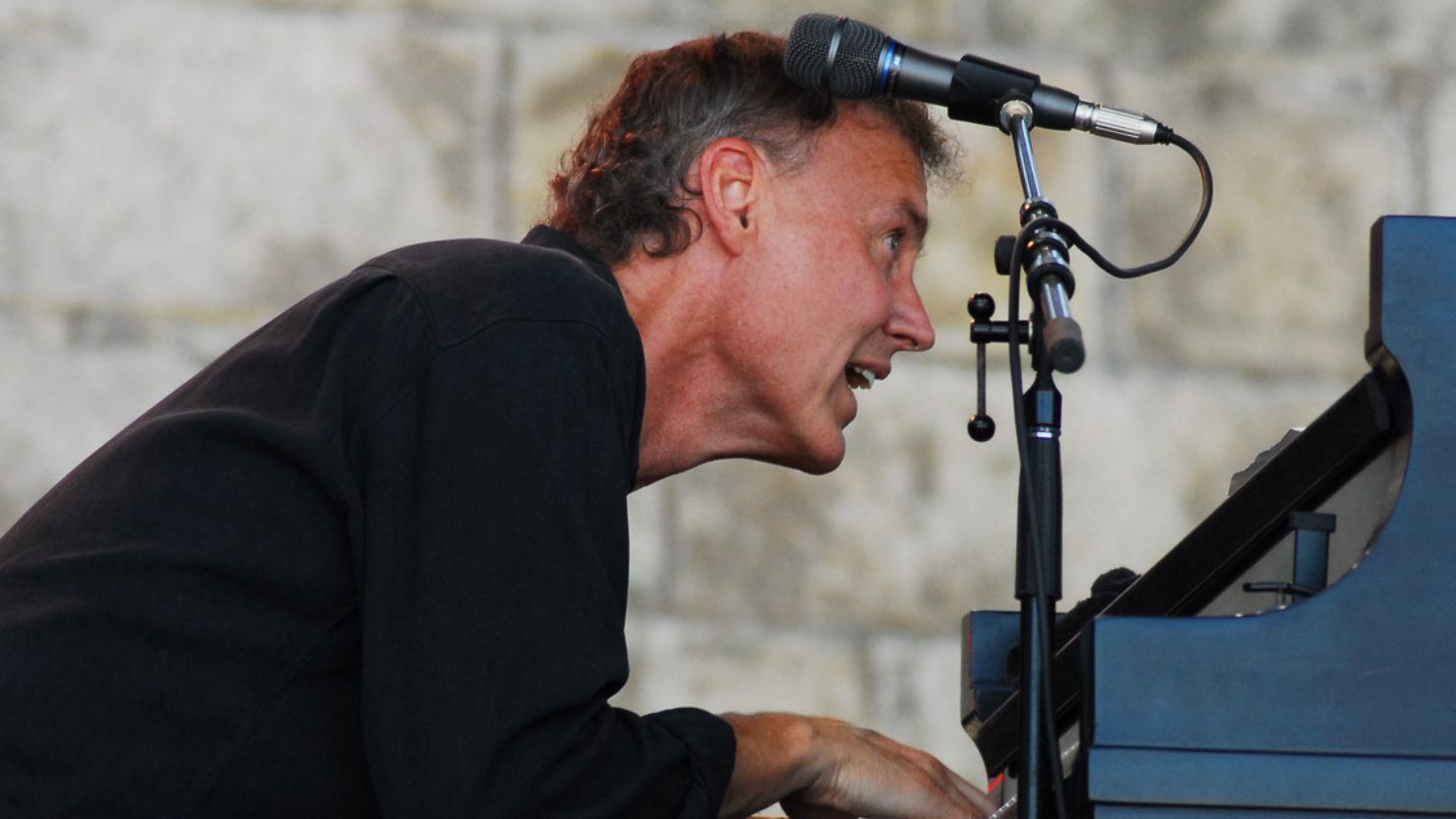 Bruce Hornsby Teams With Béla Fleck & The Flecktones On This Date In 1997