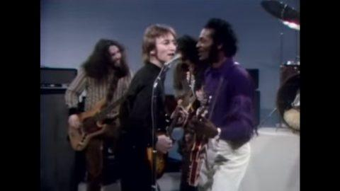 Chuck berry jams with john lennon on the mike douglas show in 1972 chuck berry jams with john lennon on the mike douglas show in 1972 fandeluxe Image collections