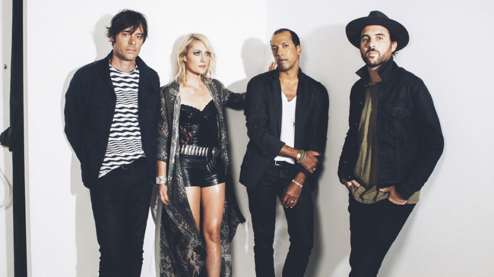 Metric, Zoe and more