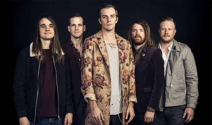 The Maine and Grayscale