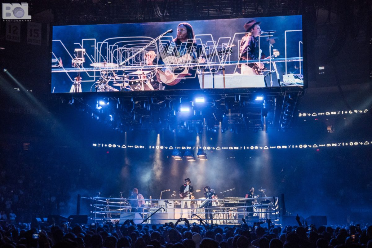 Everything Now Arcade Fire Brings Infinite Content Tour To Madison