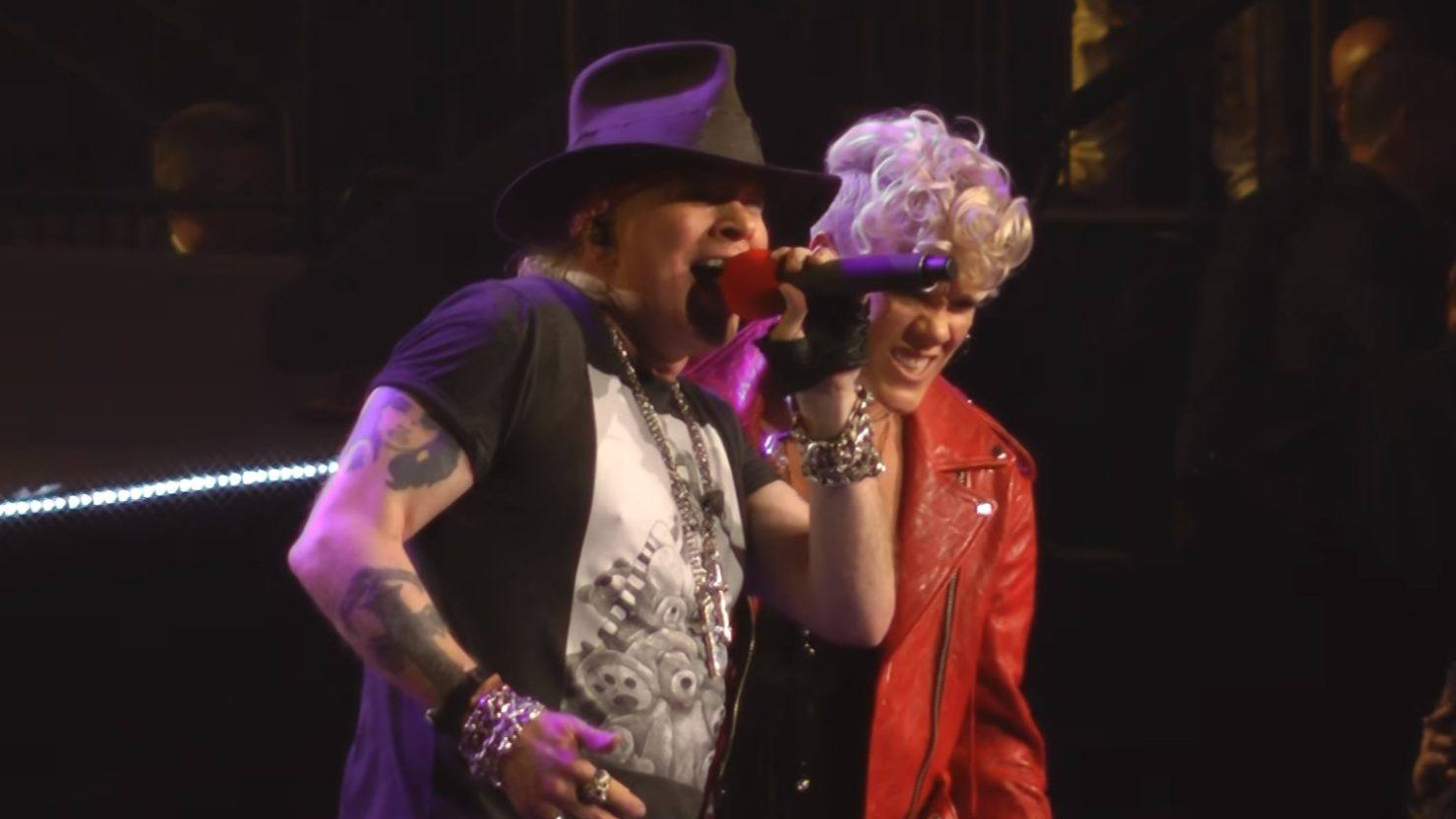 P Nk Joins Guns N Roses At Madison Square Garden