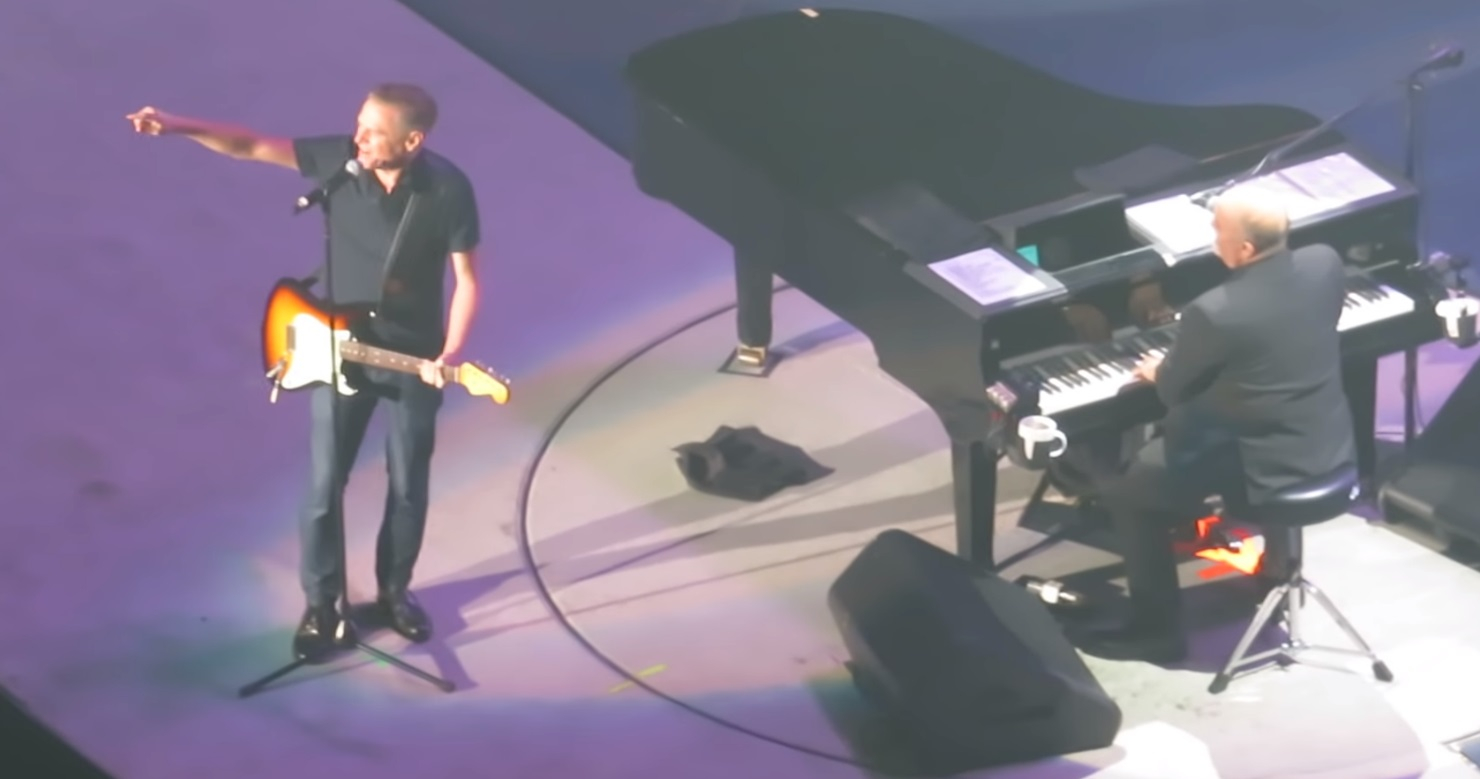 Billy Joel Honors Aretha Franklin Welcomes Bryan Adams At The Garden