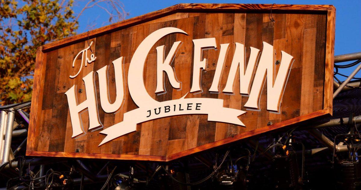 Huck Finn Jubilee Logo