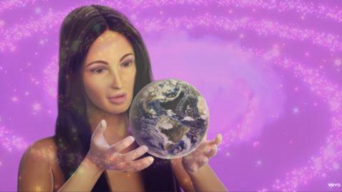Kacey Musgraves Oh What A World Video