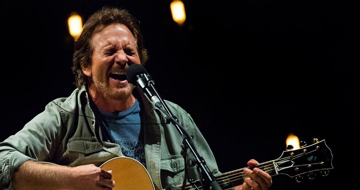 Eddie Vedder Tour Dates 2020 Eddie Vedder Kicks Off European Solo Tour In Amsterdam With Jake