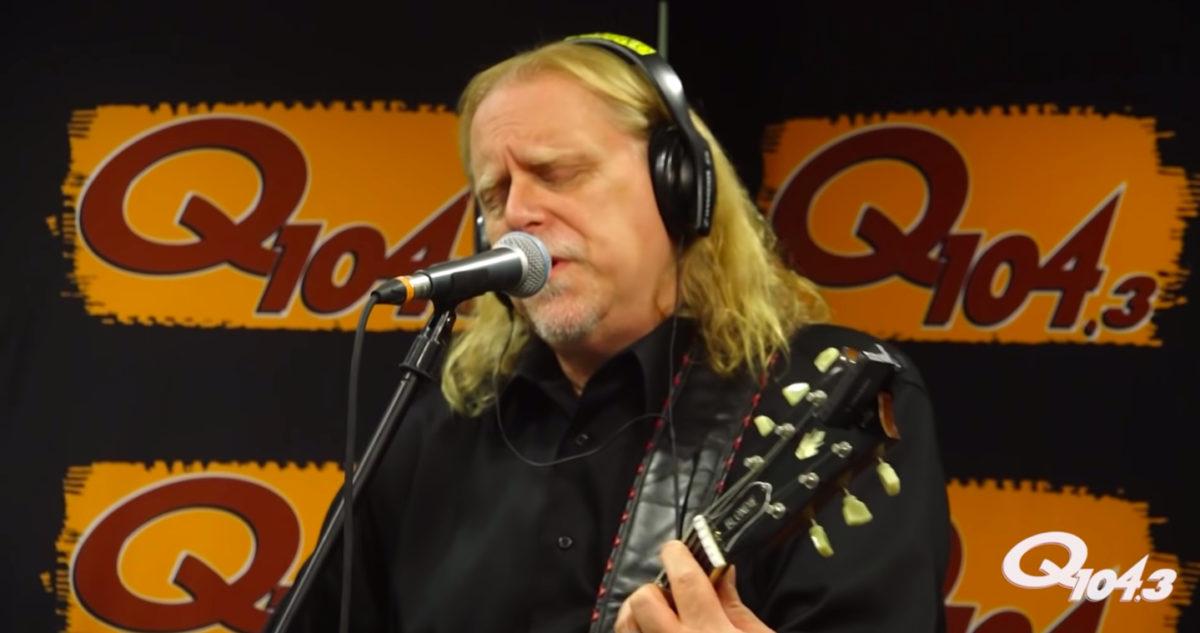 Warren Haynes Performs Live & Talks New Gov't Mule Live Album At Q1043