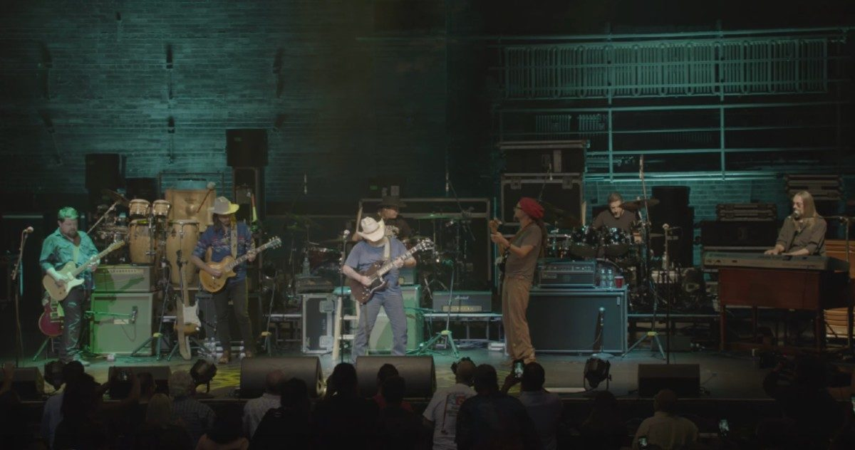 The Dickey Betts Band Performs 'Ramblin' Man' In New York City